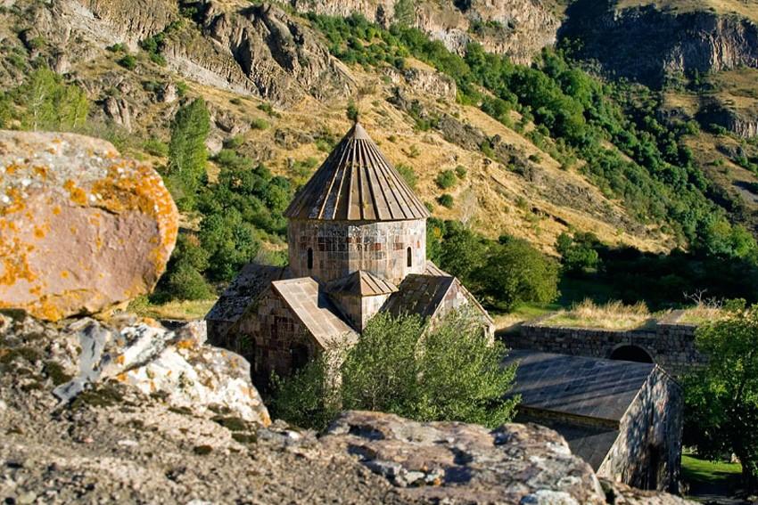Քայլարշավ դեպի Գնդեվանք, Ջերմուկ, Արենի   Տուրեր Հայաստանում